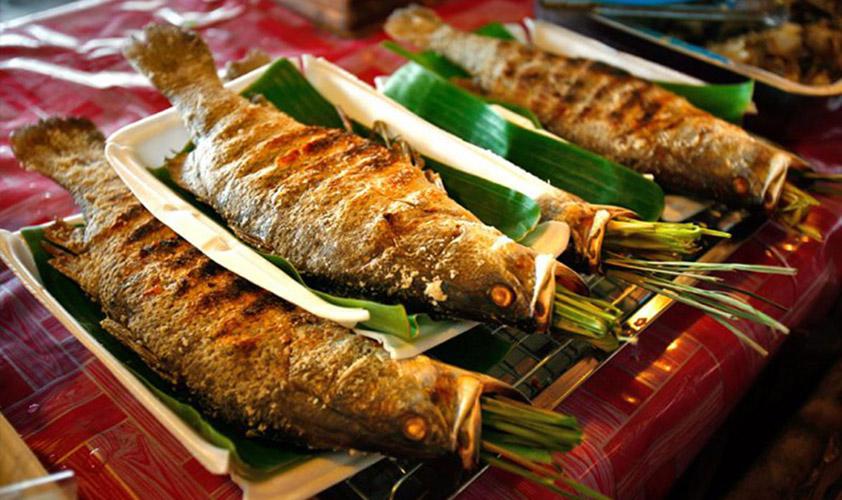 Cá suối nướng là một món ăn dân dã nhưng rất hấp dẫn
